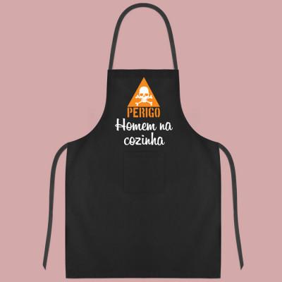 avental perigo homem na cozinha